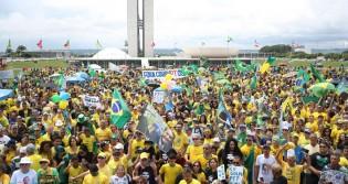 Um novo Brasil depende de nós... Será mesmo que somos tão despolitizados assim?
