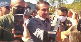 Em cidade que nunca recebeu visita de um presidente, Bolsonaro é aclamado (veja o vídeo)