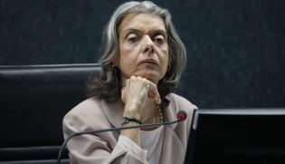 """""""Carminha"""" envergonha as mulheres que integram o Judiciário"""
