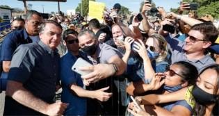 Em visita a Bahia do petista Rui Costa, Bolsonaro é aclamado por avalanche de pessoas (veja o vídeo)