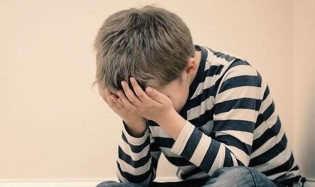 O desespero juvenil, o abandono paterno e a ideologia de gênero