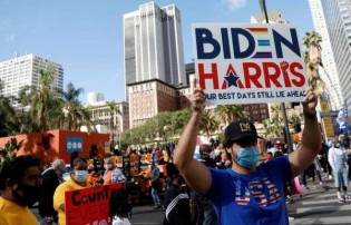 """Quem são aqueles que estão comemorando a """"vitória"""" de Joe Biden"""
