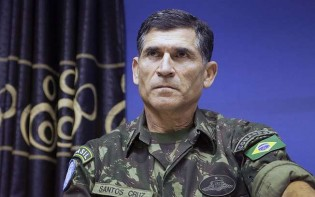 Oficial superior do Exército manda dura resposta aos generais críticos do Presidente da República