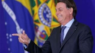 Bolsonaro ganha em todos os cenários possíveis, aponta nova pesquisa
