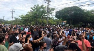 População de Búzios, no Rio, se revolta contra o lockdown e vai à luta (veja o vídeo)