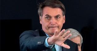 """Bolsonaro manda resposta desmoralizante: """"Vamos falar de 1 bilhão de dólares roubados pela família Marinho"""" (veja o vídeo)"""