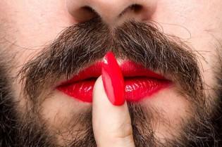 Revista científica defende que certidões não devem incluir sexo do bebê para não ofender pessoas transgênero