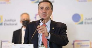 """Em tom ofensivo e com afirmação duvidosa, Barroso tece fortes críticas ao """"voto impresso"""""""