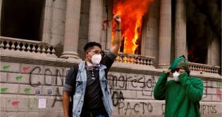 """Socialistas, isentões e a """"direita sofisticada"""": Todos de mãos dadas para criar uma ditadura no Brasil"""