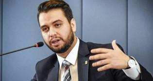 """Assessor especial do Planalto conta toda a história da negociação da vacina com a Índia e desmascara a """"mídia do ódio"""""""