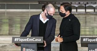 """Doria se irrita com Covas após ele tomar decisão sem o """"consultar"""""""