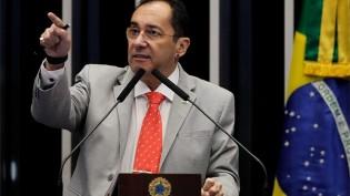"""O impeachment de Moraes pode devolver ao Senado algo que não tem hoje: """"A credibilidade"""", diz Kajuru"""