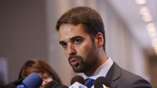 Eduardo Leite e mais oito governadores deixam de enviar à PGR informações sobre hospitais de campanha