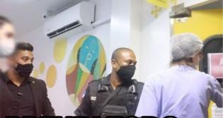 """Gabriel Monteiro escancara """"omissão de socorro"""" na Saúde do Rio e prende médica (veja o vídeo)"""