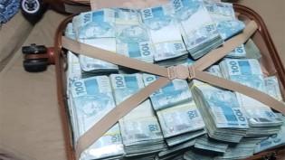 PF apreende em Goiás mala com mais de R$ 800 mil em operação contra fraudes no auxílio emergencial e em precatórios