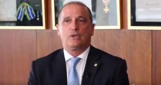 Visivelmente emocionado, Onyx revela porque Bolsonaro vencerá as eleições no 1º turno em 2022 (veja o vídeo)