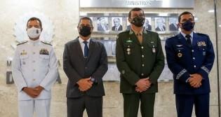"""General Braga Netto e comandantes das Forças Armadas enviam mensagem: """"A 'cobra fumou' e, se necessário, fumará novamente"""""""