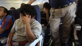 A esperança ruiu e brasileiros deportados por Biden chegam hoje ao Brasil