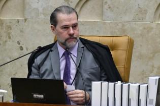 Voto em causa própria de Toffoli envergonha juristas e, pelo menos, um ministro do STF
