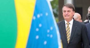 """Bolsonaro cala os """"desesperados"""", ironiza a Globo e diz que haverá, sim, Copa América no Brasil (veja o vídeo)"""
