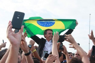 Bolsonaro e o povo: As imagens que a velha mídia não mostra (veja o vídeo)