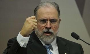 Para o desespero da esquerda, Aras diz que não houve falta de ação do governo para compra de vacinas (veja o vídeo)