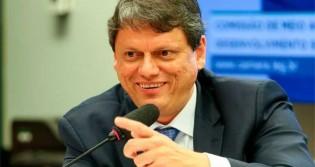 """Tarcísio é homenageado com a """"distinção máxima"""" da Assembleia Legislativa do RS"""