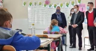 PTB entra na ação petista que quer impor linguagem neutra nas escolas de Santa Catarina