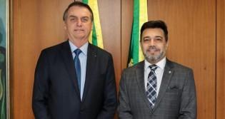 """Deputado denuncia """"trama para incriminar"""" Bolsonaro e questiona: A quem Interessa? (veja o vídeo)"""