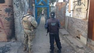"""Polícia resgata homem que seria executado no """"microondas"""""""