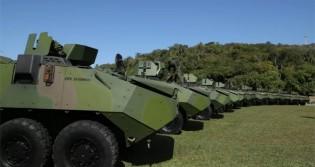 "Em atitude ""covarde"", PSOL tenta impedir desfile de tanques de guerra na Esplanada dos Ministérios"
