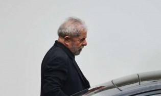 Lula quer regular os meios de comunicação e a grande mídia aplaude. Entenda o motivo...