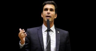 """Em depoimento corajoso, deputado expõe a """"verdadeira face"""" do STF (veja o vídeo)"""
