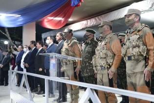 Na noite de ontem, em silêncio, Bolsonaro participou da troca de comando do Exército no Nordeste (veja o vídeo)
