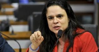 AO VIVO: Sem meias palavras, Janaína Paschoal solta o verbo na TV JCO (veja o vídeo)