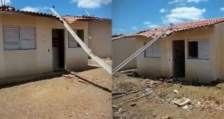 """""""Quem falar, vai levar facada na boca"""", ameaçam vândalos após depredarem casas construídas pelo governo Bolsonaro em Pernambuco (veja o vídeo)"""