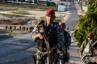 Movimento Militar na fronteira venezuelana deixa inteligência do Governo em alerta