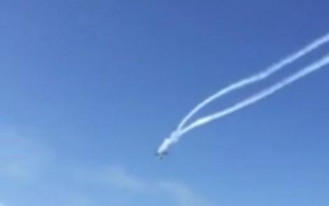 Piloto de acrobacia morre em choque com outro avião na Itália