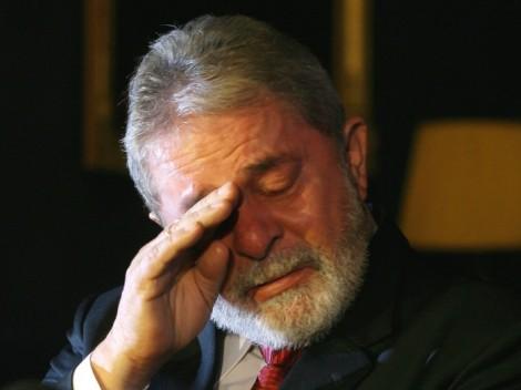 """Lula confessa-se diante dos padres, ataca o governo Dilma, afirma que o PT e ele próprio estão no """"volume morto"""" da política e se faz de Josef K.de Kafka em """"O Processo"""""""