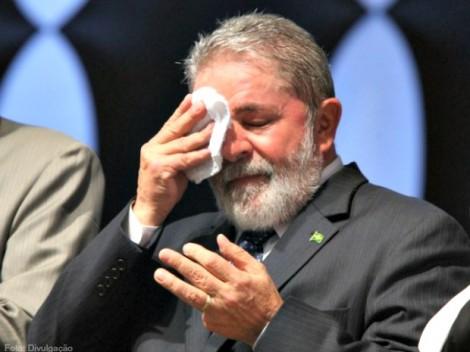 STF não se 'acovarda' e blinda Lula
