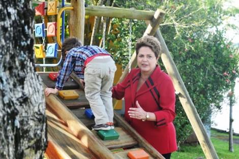 Dona Dilma, e agora? O que vai dizer para os seus netos?