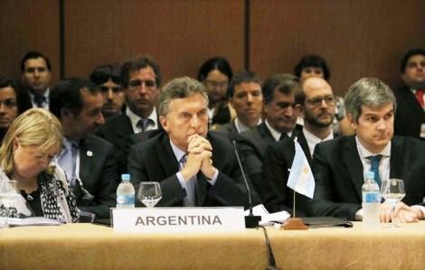 Mercosul acena com 'não' à pretensão de Dilma de punição ao Brasil