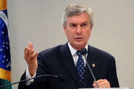 Collor, magoado, relembra 1992 e critica 'soberba' de Dilma (veja o vídeo)