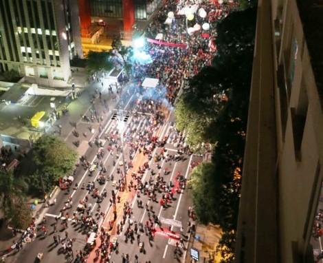 Frio e falta de estrutura enfraquecem evento da Frente Brasil Popular