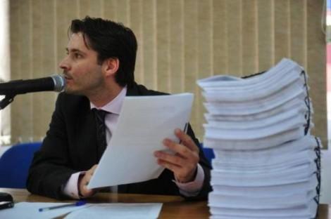 Procurador, mencionado exaustivamente por petistas, nega ter livrado Dilma de 'pedaladas'