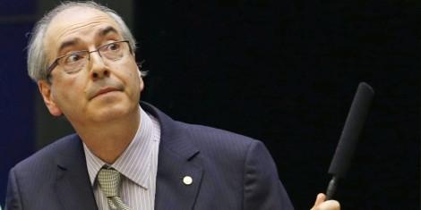 Na hora do voto, petista afronta Cunha chamando-o de 'palhaço'