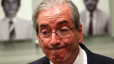 Eduardo Cunha apanha de mulher em aeroporto (veja o vídeo)