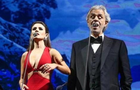 Paula Fernandes trava e dá fiasco como convidada em show de Andrea Bocelli (veja vídeo)