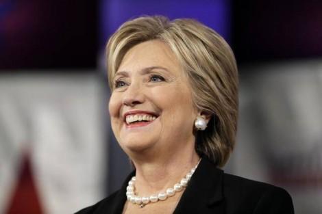 Americanos caminham para escolher a primeira mulher presidente na história