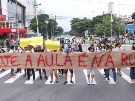 Jornalista desvenda os culpados pela morte de estudante no Paraná (ouça o áudio)